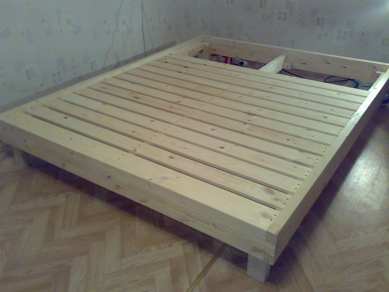 Построить кровать из досок своими руками видео