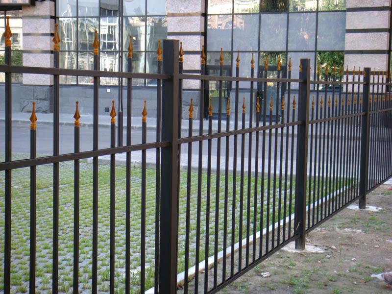 декоративный забор своими руками из трубы